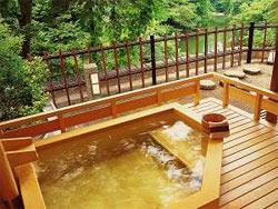 翠明の露天風呂